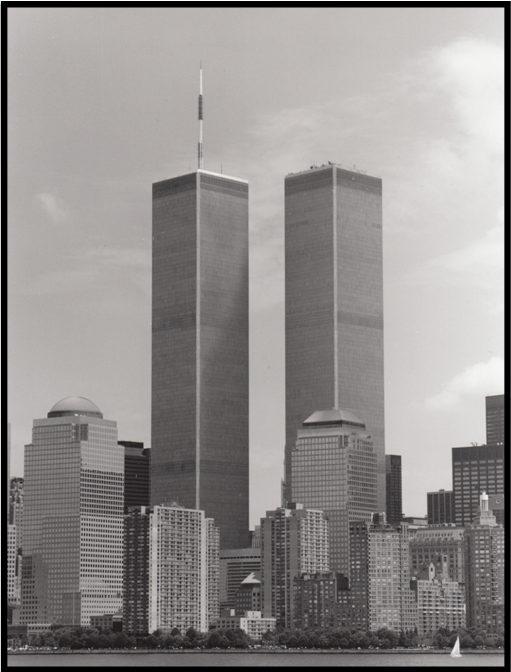 Ich hab mich mal ein bisschen mit 9  11 befasst  Und dazu auch die Verschwörungstheorie  dass es sb auch kein Flugzeug gab  Klang auch